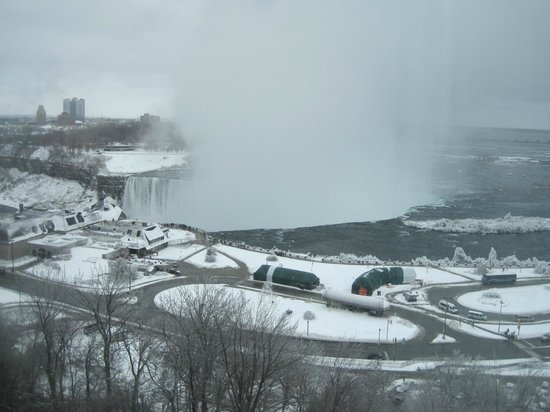 Marriott Niagara Falls Fallsview Hotel & Spa: Limited winter view