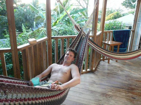 Mariposa Lodge: Hangin' in the hammocks @ Mariposa