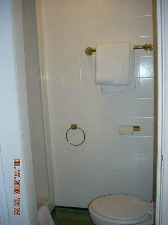 Umi London : Bathroom