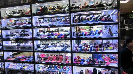 This Is Asia Private Tours-Day Tour: Shopping in the Mall