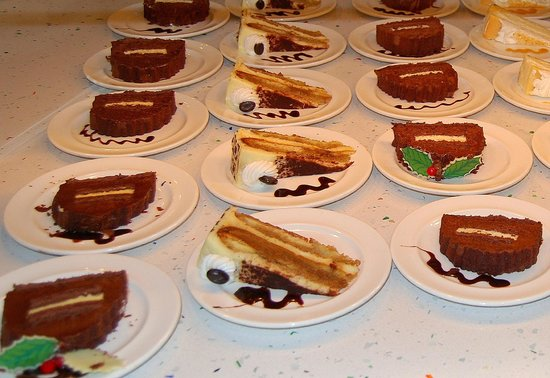 Seminole Hard Rock Casino Tampa: Cakes at Fresh Harvest Restaurant.