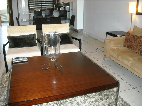 Harbouredge Apartments : Unit 508-nice furnishings