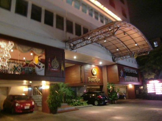是隆城市旅館照片