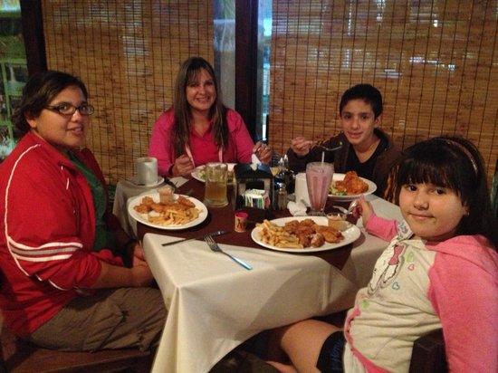 Restaurante Tico y Rico Monteverde: Cena de cumpleaños con Jecca
