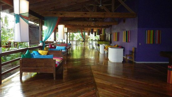 Henry Morgan Beach Resort: Vue du Lobby