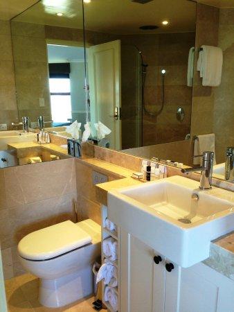 Echoes Boutique Hotel & Restaurant: bathroom