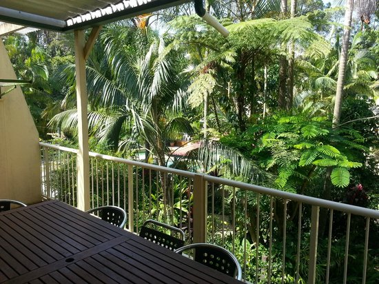 Tropic Oasis Holiday Villas: 5  bedroom balcony view over grounds