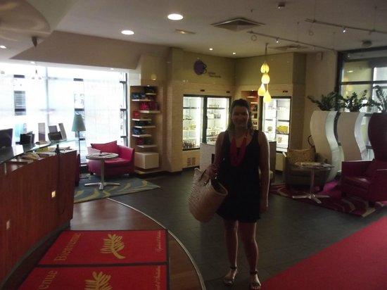 Novotel Suites Cannes Centre: En el lobby