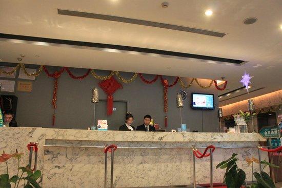 Jinjiang Inn (Guangzhou Zhongshan Memory Hall): Reception counter are very helpful