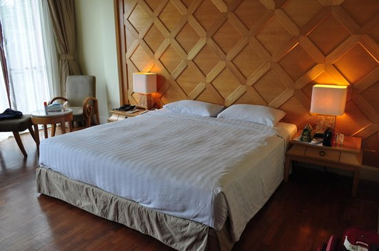 Langkawi Lagoon Resort: Cozy and comfy bed, clean linen