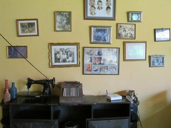 Hotel Casa Robleto: Front room