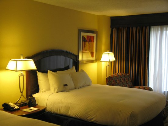 DoubleTree by Hilton Hotel Greensboro: Good bed