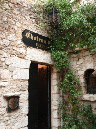 Chateau Eza: ホテル入口