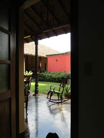 Hotel Casa Robleto: View of courtyard from my room.