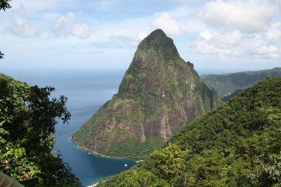 Tet Paul Nature Trail: postcard perfect of petit piton