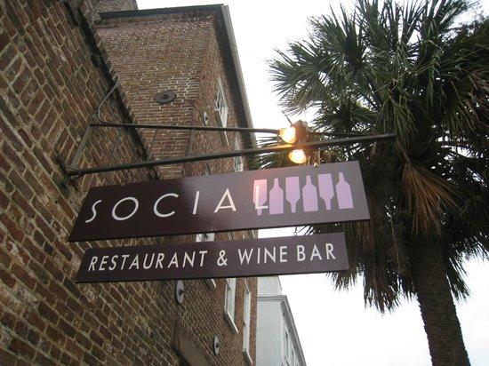 Social Restaurant + Wine Bar: The view from outside