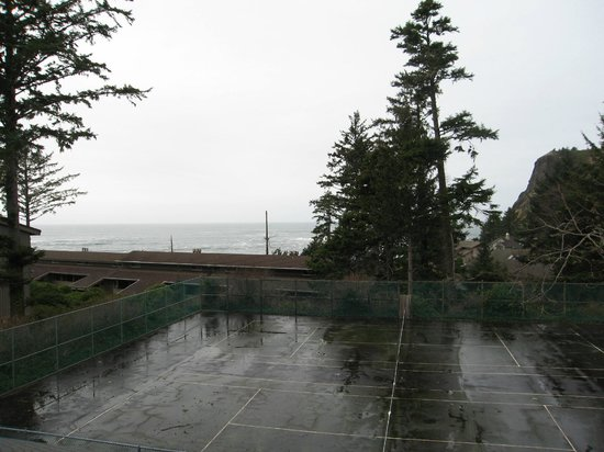 Inn at Otter Crest: Veiw from our second story studio. No balcony chairs available.