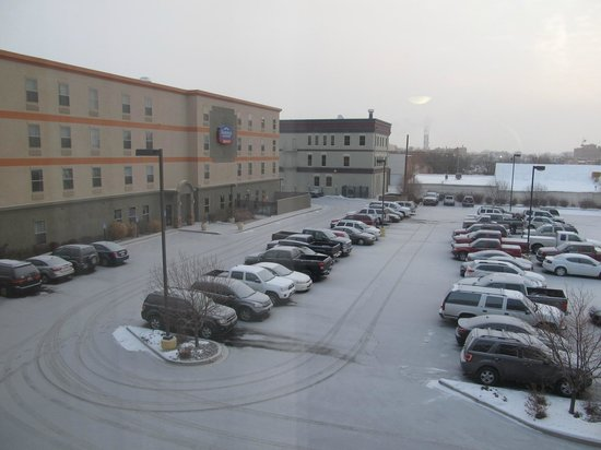 Hampton Inn Grand Junction : View of parking lot