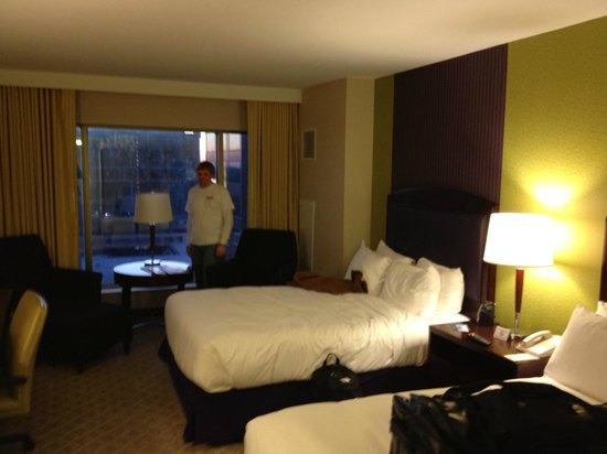 Hilton Charlotte Center City: 2 DOUBLE BEDS DELUXE ROOM