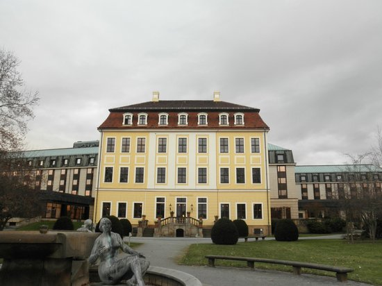 The Westin Bellevue Dresden: HOTEL OUTVIEW