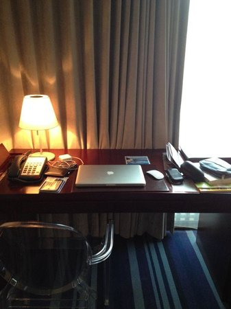 Grand Victoria Hotel: Working Desk