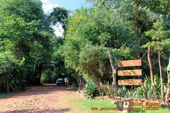 Road to La Aldea de la Selva Lodge, Iguazu