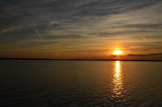 Battery & White Point Gardens : sunset at Battery Park