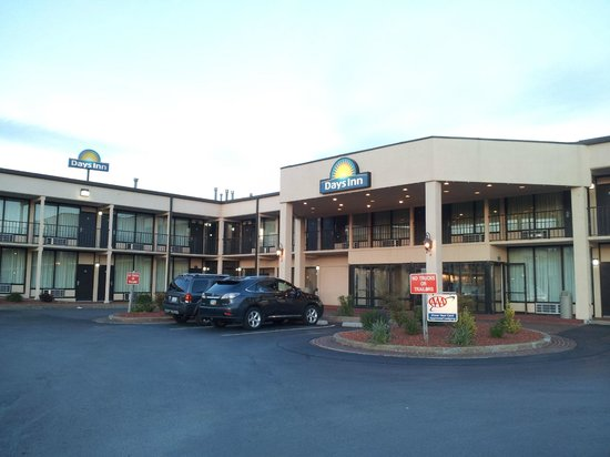 Days Inn Princeton: another view of the hotel