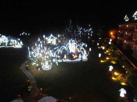 The Manor at Camp John Hay: Night photo from the room balcony - superb !!