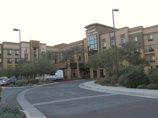Hampton Inn & Suites Phoenix Glendale - Westgate: Hotel