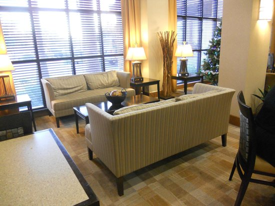 Hampton Inn & Suites Phoenix Glendale - Westgate: Lounge