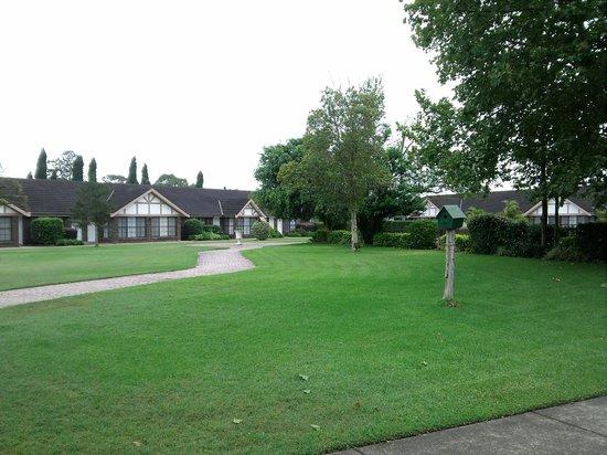 Sir Francis Drake Inn: inner park