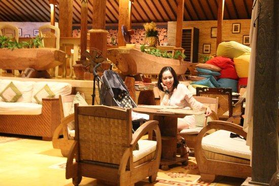 Paon Doeloe Restaurant : Atmosphere