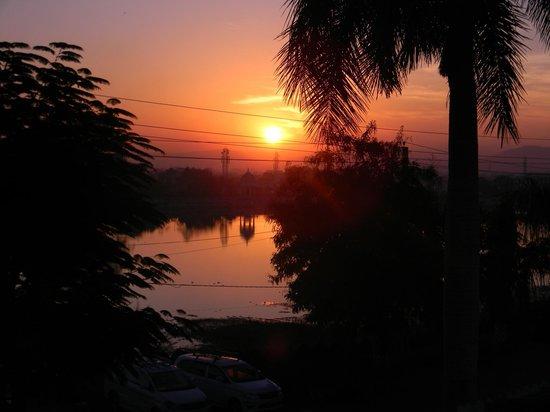 Hotel Swaroop Vilas: Sunrise