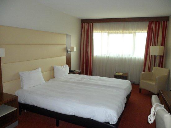 Van der Valk Hotel Rotterdam-Blijdorp: Spacious room