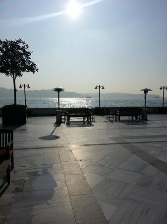 Four Seasons Istanbul at the Bosphorus: Sea View from the terrace