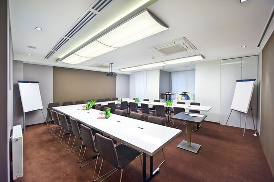 Bayjonn Hotel: Conference room