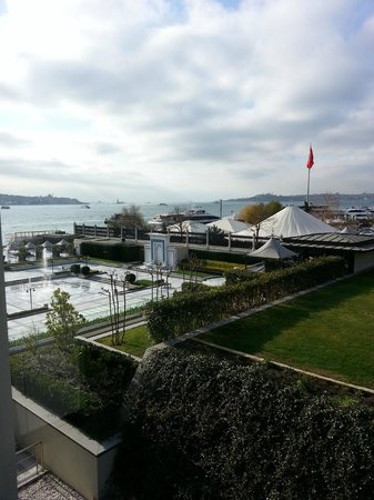 Four Seasons Istanbul at the Bosphorus: Cloudy Day