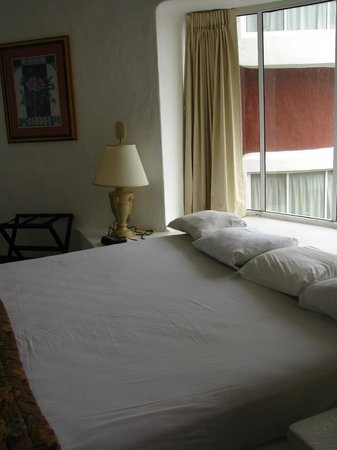 Mía Cancún: Bedroom