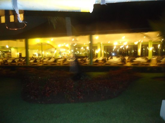 Grand Palladium Palace Resort Spa & Casino: one of the many buffets