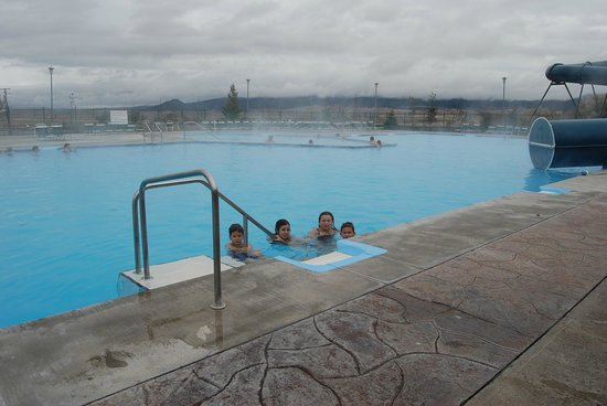 Fairmont Hot Springs Resort: The massive outdoor pools, with the HOt Hot pool in background