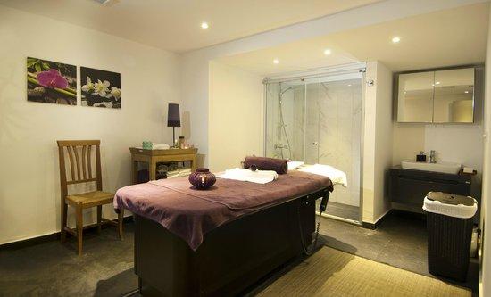 Ramada Resort Bodrum: Massage room