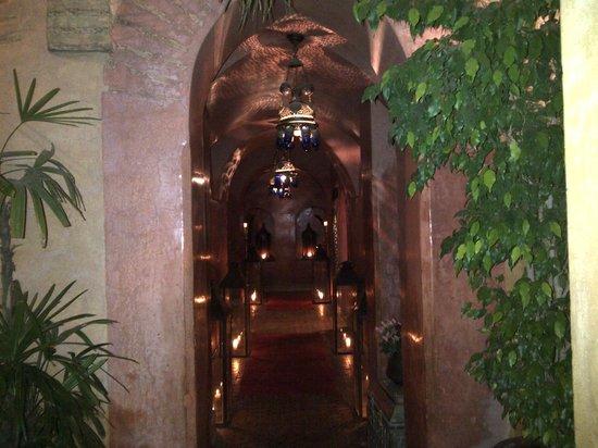 Dar Yacout: corridor