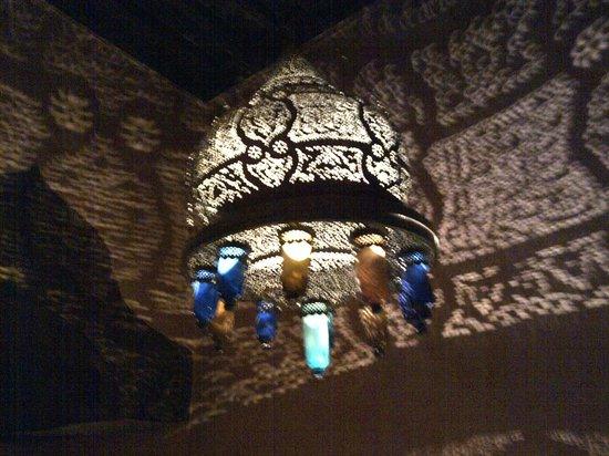 Dar Yacout: lamp