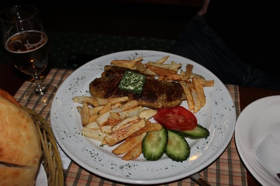 Hotel Laguna : Steak and pomfrit.
