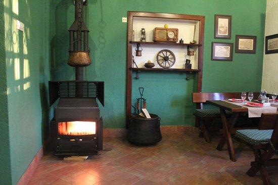 Hotel Laguna : The cozy diningroom.