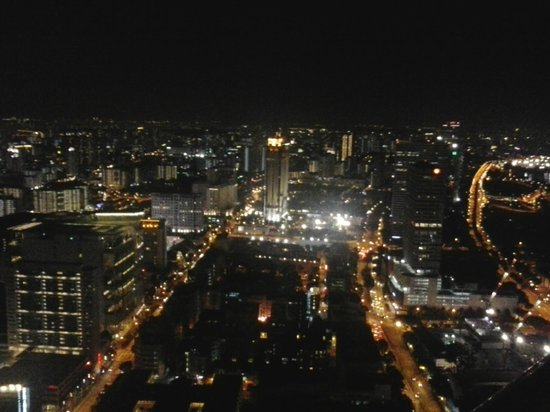 Swissotel The Stamford Singapore: View from the room balcony
