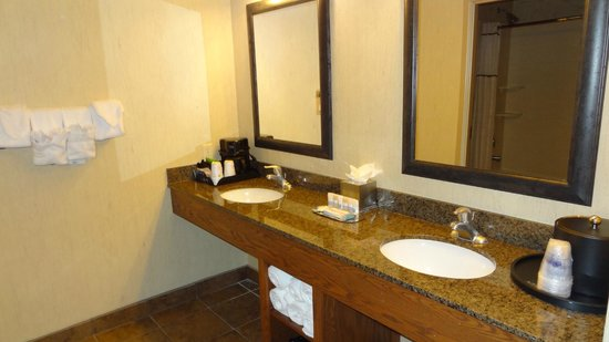 Best Western Plus Bryce Canyon Grand Hotel: excellent bathroom