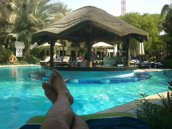 لو ميريديان دبي: Pool Area Le Meridien Dubai