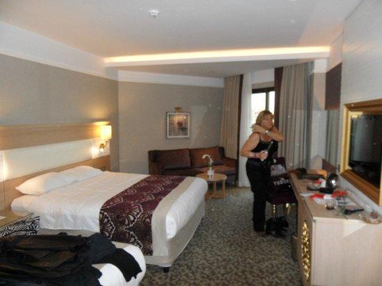 Villa Side Hotel: Grote en zeer complete kamers
